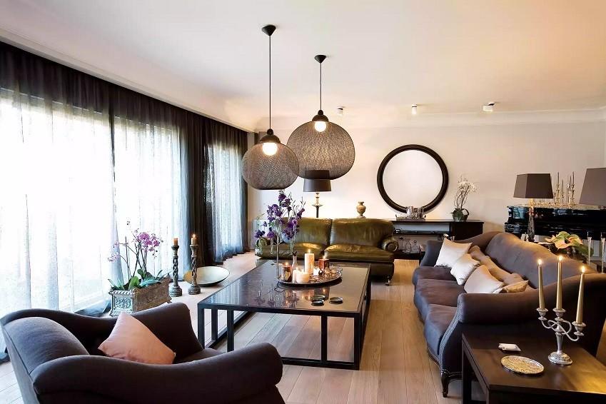 طراحی نورپردازی اتاق نشیمن با نور شمع