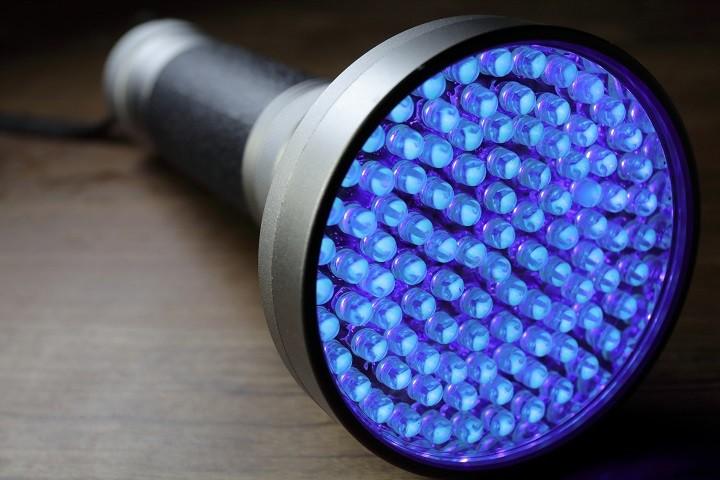 چراغ ال ای دی UV