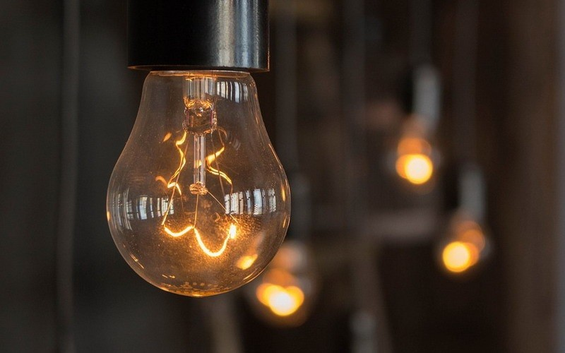 چرا بعضی چراغ ها چشمک می زنند